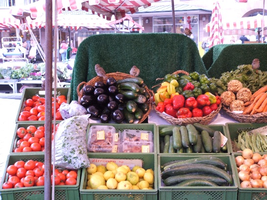 Markets at Nuremberg with Sparrows, where the 'Yankee comen!', Nuremberg, Germany