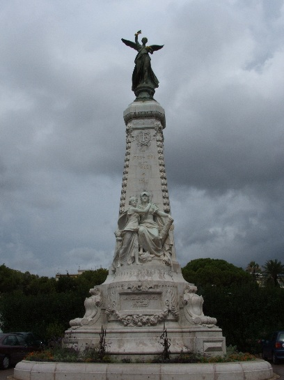 Monument on the boardwalk in Nice, France