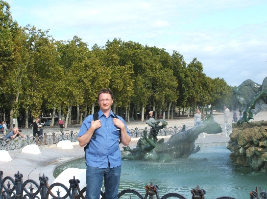 Ross in front of the Monuments on the Esplanade des Quinconces, Bordeaux, France